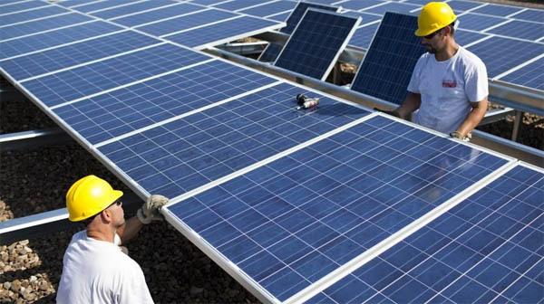 solar-panels-a-lot